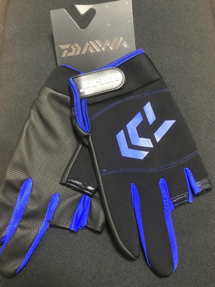 Перчатки Daiwa  осень-весна  ,  ткань GORE-TEX (перчатки Дайва)