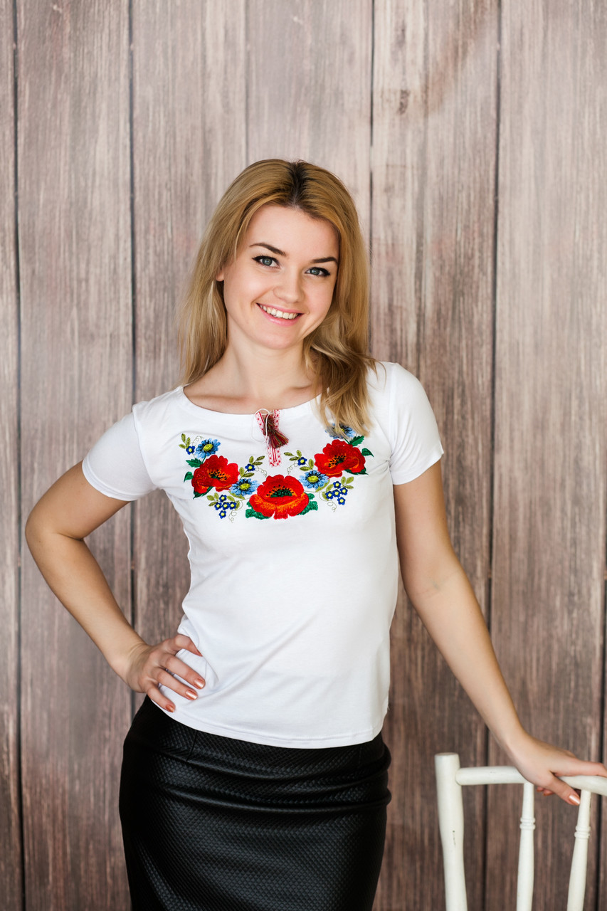 Красивая вышитая женская вышиванка с коротким рукавом «Украинские краски»