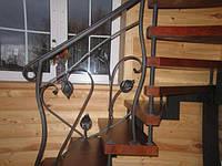 Лестница 13 с коваными перилами и поворотом