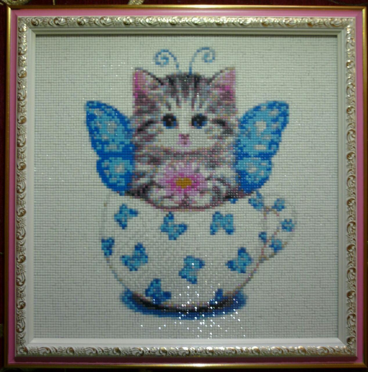 """Готовая картина в технике алмазная вышивка """"Котенок в чашке"""""""