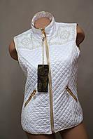 Жилетка женская белая тёплая стильная безрукавка модная батал белая, фото 1