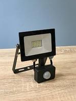 Светодиодный LED прожектор датчиком движения 50w 6500k Lemanso LMPS58