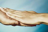 Німіють руки ночами: причина - не у віці
