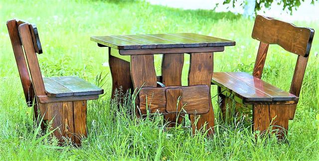 Дерев'яні меблі під старовину для саду фото