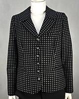 Жакет женский черный с серыми шерстяными кружочками изящными пуговицами и привлекательной длиной