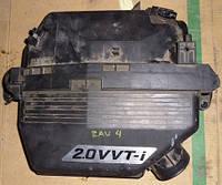 Корпус воздушного фильтра Toyota Rav 4 II 2.0 VVTi 4WD 1001405480