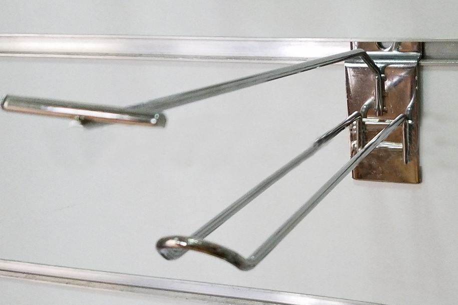 Гачок (крючок) хром подвійний з цінникотримачем розміром 150мм в торговою економпанель