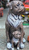 Фигурка для сада Мопс с щенком 31 см.