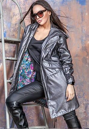 Куртка-парка из искусственной кожи с капюшоном темно-серого цвета Бритни 44-50 р, женские куртки парки оптом, фото 2