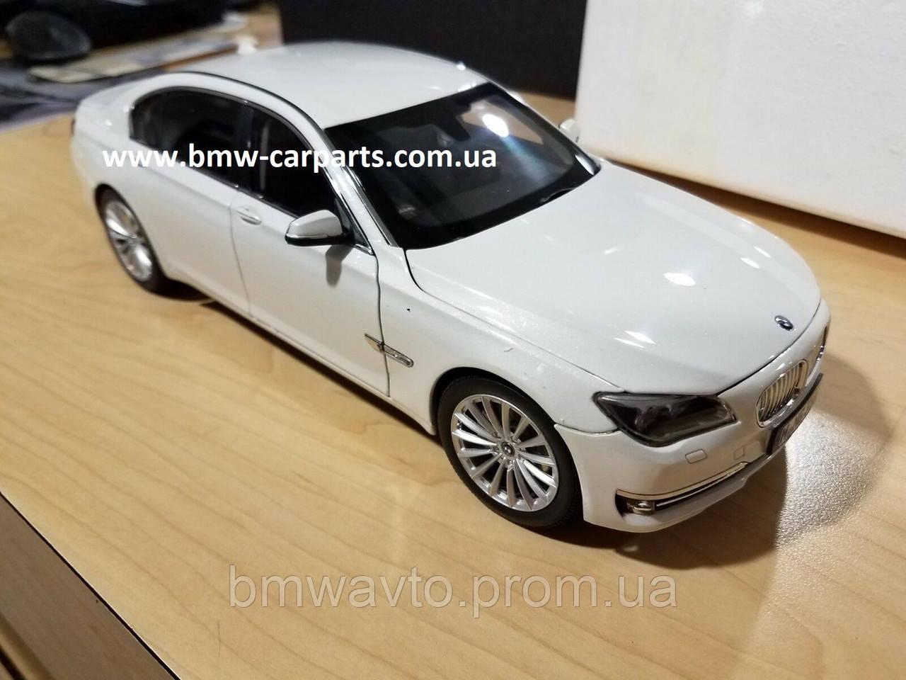 Модель автомобиля BMW 750 Li (F02) LCI, 1:18 Scale