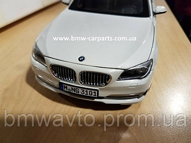 Модель автомобиля BMW 750 Li (F02) LCI, 1:18 Scale, фото 2