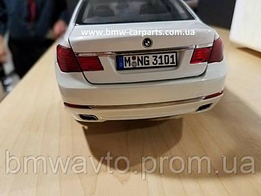 Модель автомобиля BMW 750 Li (F02) LCI, 1:18 Scale, фото 3