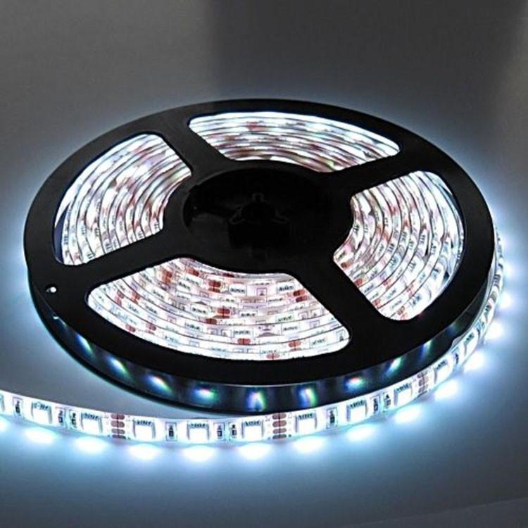 Светодиодная LED лента 5050 белая 5 метров блок питания силиконовая защита пятиметровая ЛЕД с блоком питания