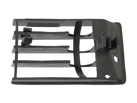 Заглушка решетка в передний бампер Audi 100 C4 ауди, фото 2