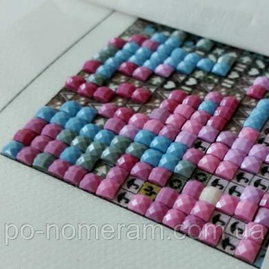 Как клеить алмазную вышивку с квадратными камешками