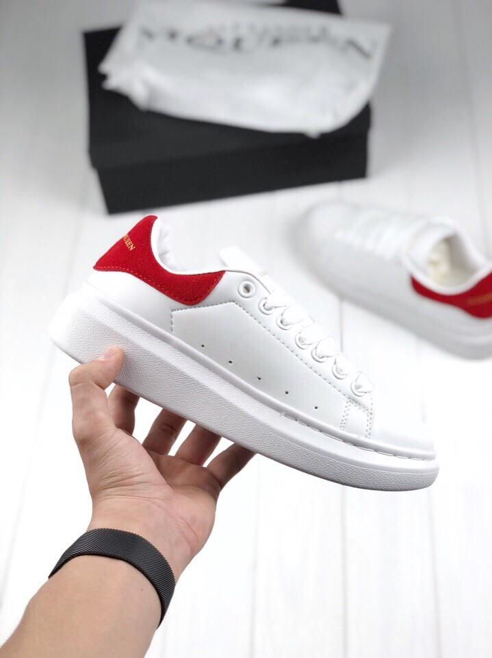 Женские кроссовки Alexander McQueen, Белые с красным, Натуральная кожа, прошиты