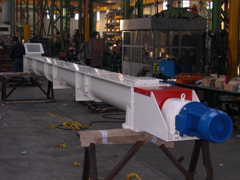 Шнек в лотке Ø 250 ММ длиной 5000 мм