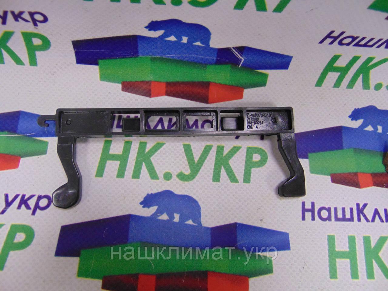 Крючок двери для СВЧ печи Samsung DE64-00264A (DE64-00264B), фото 1
