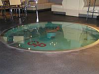 Стеклянный пол. Стекло триплекс 33 мм из трех закаленных стекол по 10 мм каждое.