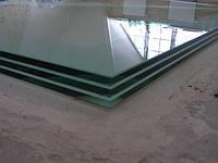 Стеклянный пол. Триплекс 33 мм - три закаленные стекла по 10 мм каждое. Герметизация стыков - силикон бесцветный.