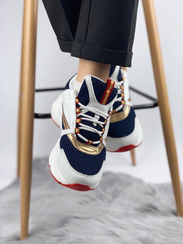 Купить женские кроссовки Dior фото