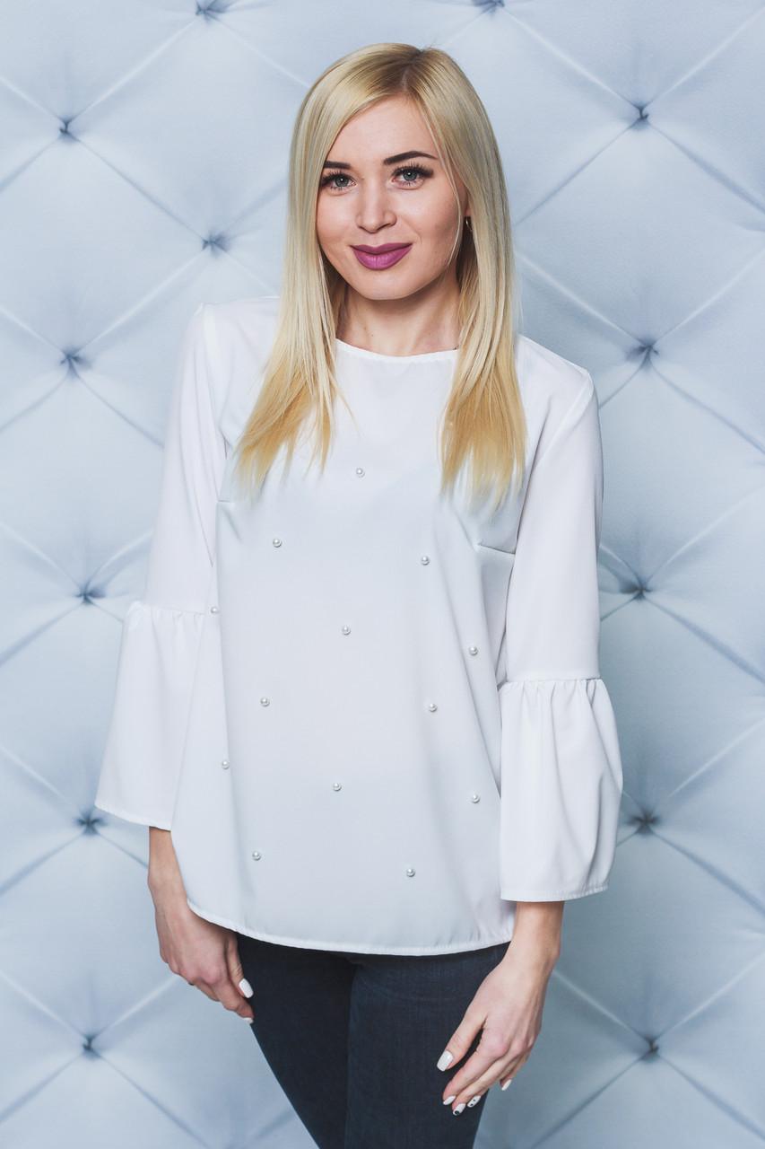 Блуза женская с жемчугом белая