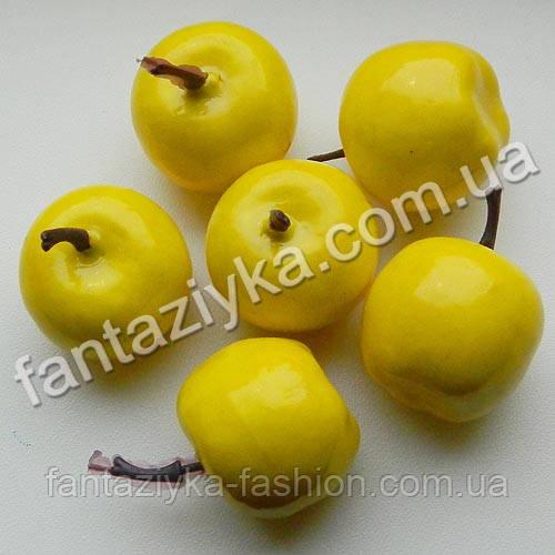 Яблоко искусственное для декора 35мм желтое