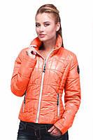 Молодежная короткая курточка на молнии
