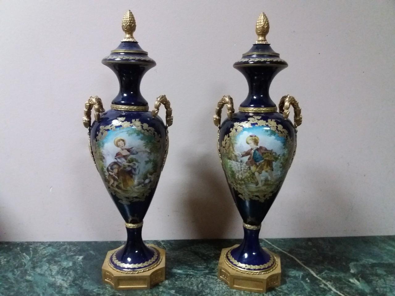 Порцелянові вази 19 століття Севр Франція