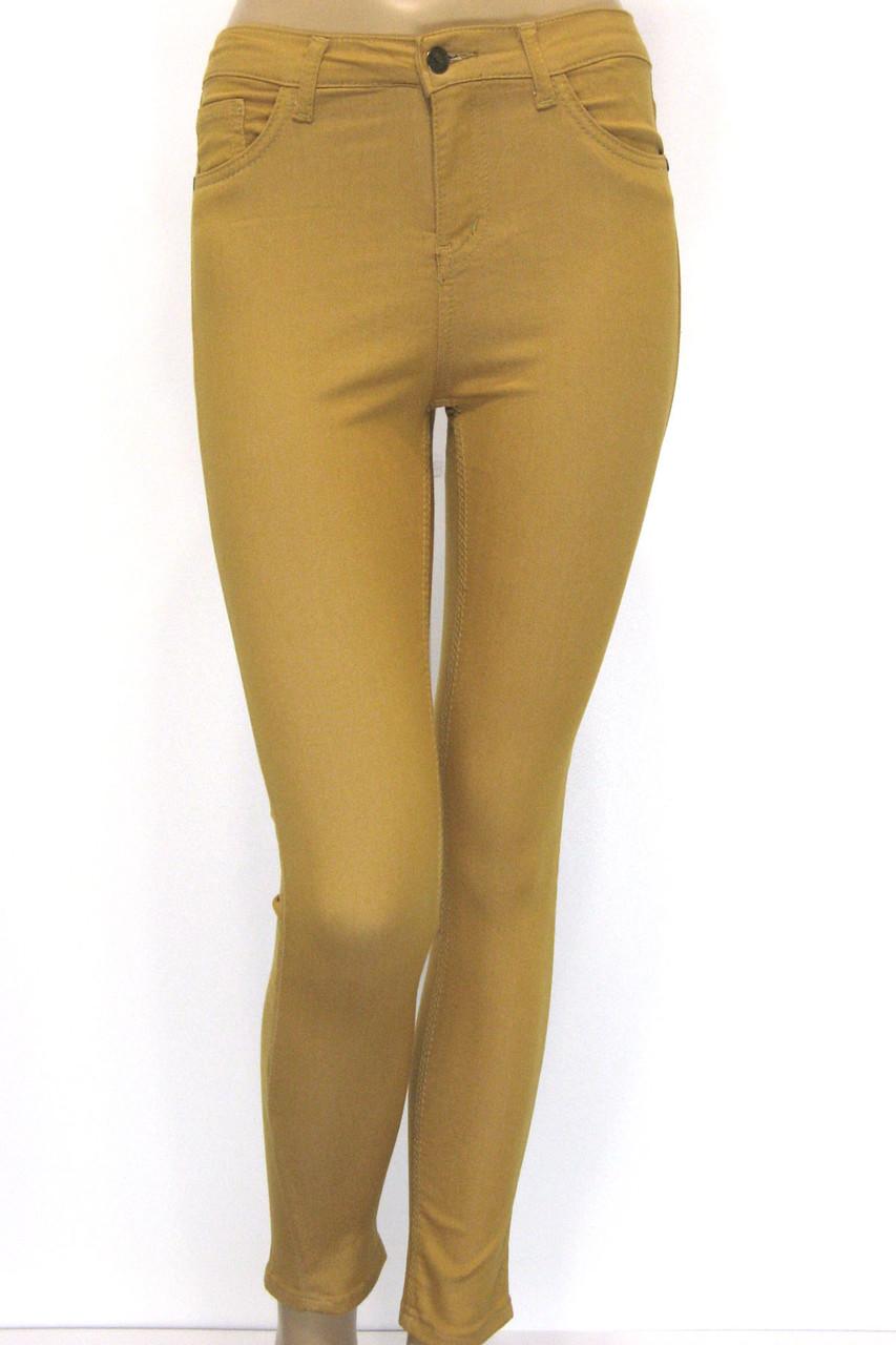 Женские брюки джинсы в горчичном цвете