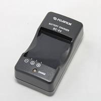 Зарядное устройство для фотоаппарата Fujifilm BC-50 BC50 для аккумулятора NP-50 зарядка
