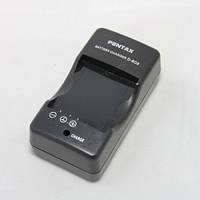 Зарядное устройство для фотоаппарата Pentax D-BC8 DBC8 для аккумулятора Pentax D-LI8 зарядка