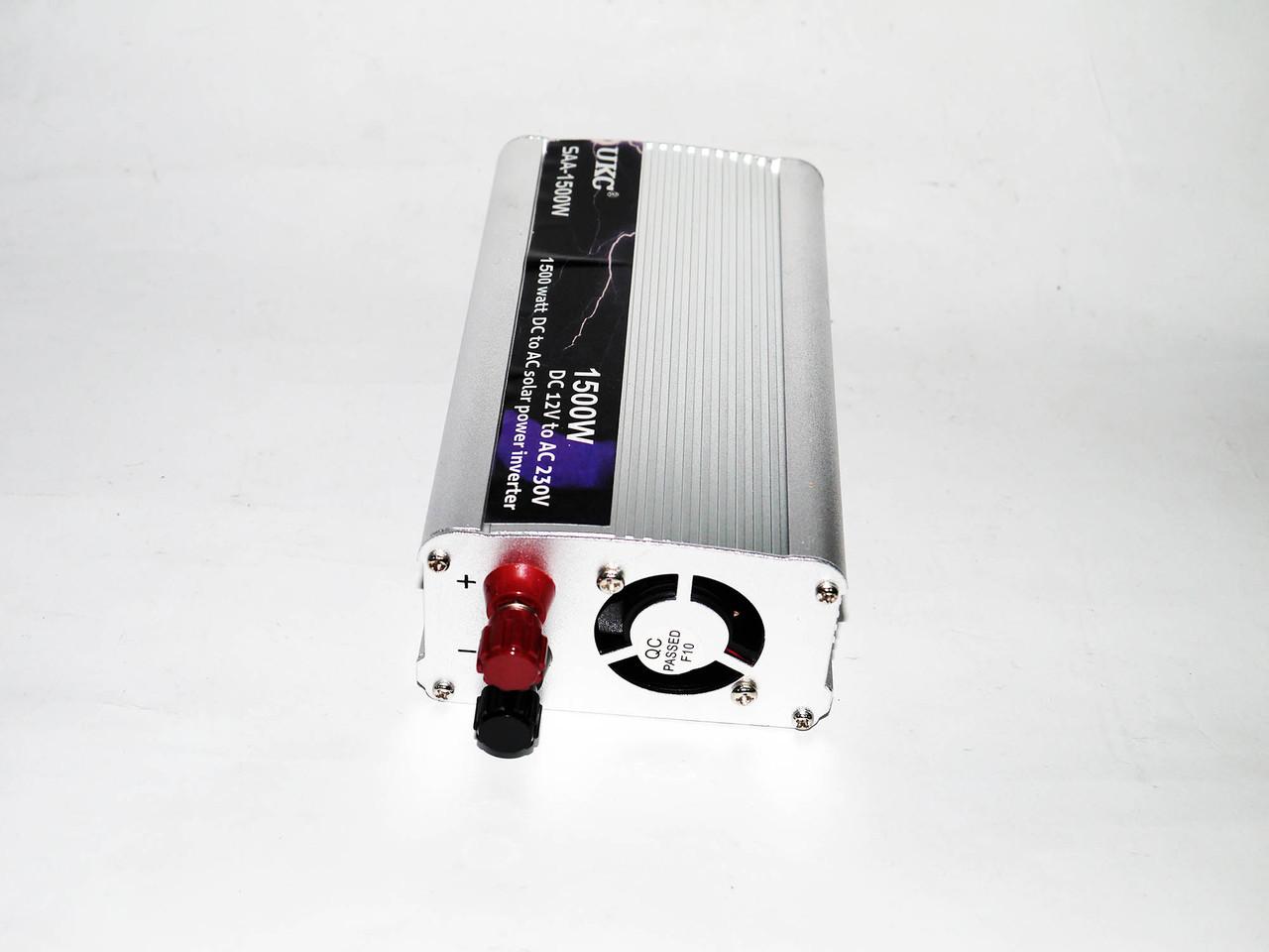 Преобразователь напряжения, инвертор 12V-220V 1500W