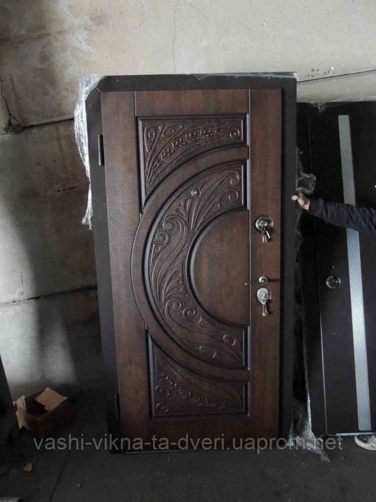 Двері вхідні САМ з патиною - Вікна Двері для оселі в Львове