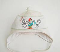 Головные уборы деми шапка малышковая , велюровая , подкладка хлопковая, принт - три гнома, помпон молочный 38