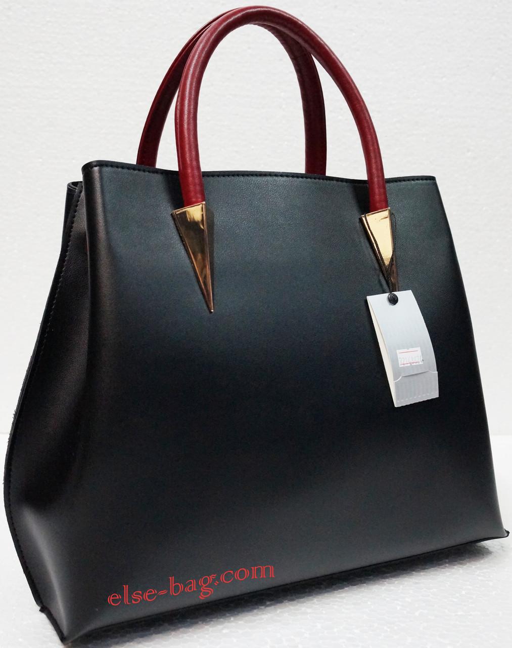 Черная сумка из эко кожи с пирамидами