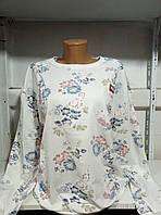 Батник с цветочным принтом и значком 44-48