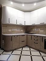 Кухня белая с радиусными фасадами в современном стиле , фото 1
