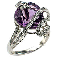 Кольцо с аметистом и бриллиантами.