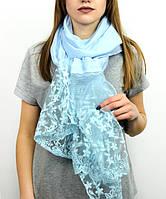 Трикотажный шарф для крестин голубого цвета с кружевом 60 х 180 см