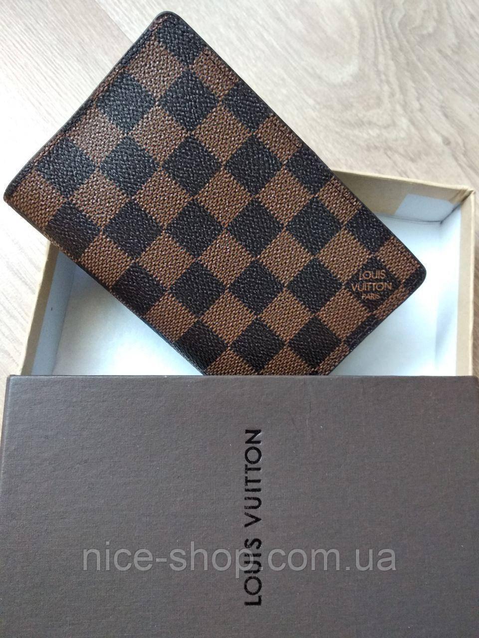 Обложка для паспорта  Louis Vuitton в коробке