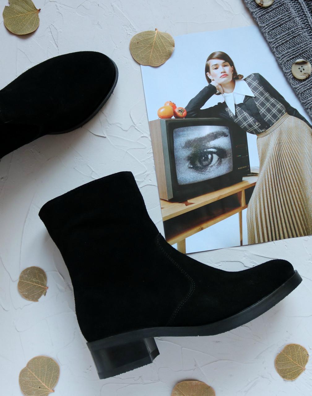 Женские замшевые ботинки на невысоком каблуке Возможен отшив в других цветах кожи и замши