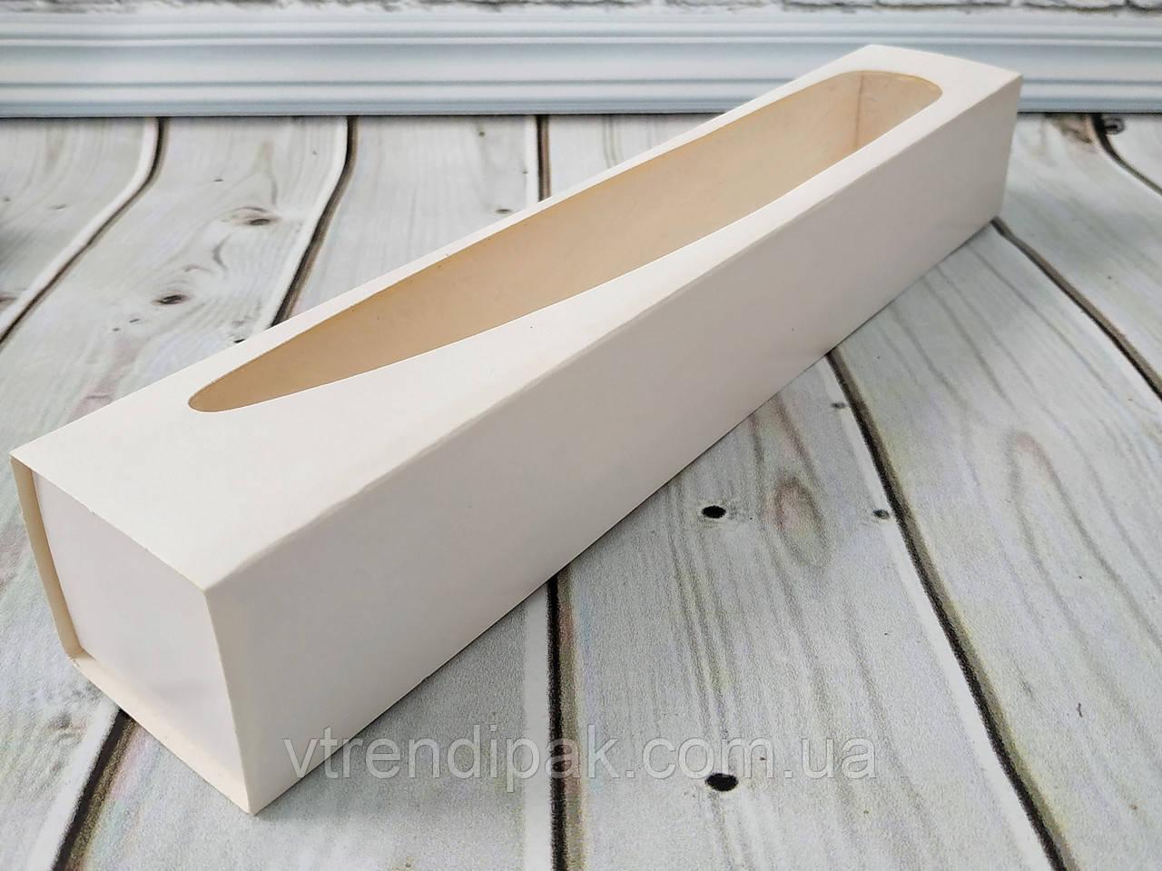 Коробка для macarons 300*50*50 з вікном біла