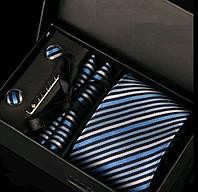 Подарочный мужской набор: галстук, запонки, платок, зажим в коробке GS782
