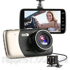 Автомобильный видеорегистратор с камерой заднего вида. Регистатор.