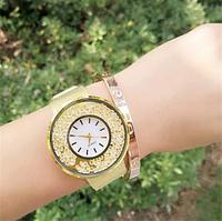 Часы женские на металлическом ремешке очень красивые
