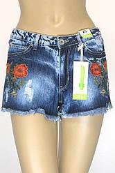Жіночі джинсові шорти з вишивкою