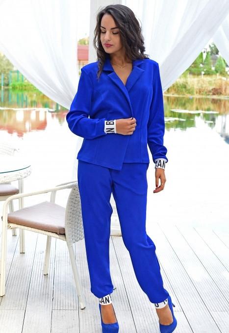 Яркий женский костюм у-t61kos571