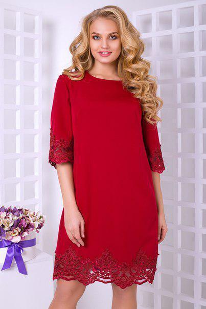 Прямое платье больших размеров с кружевом снизу и на рукавах 10blr588
