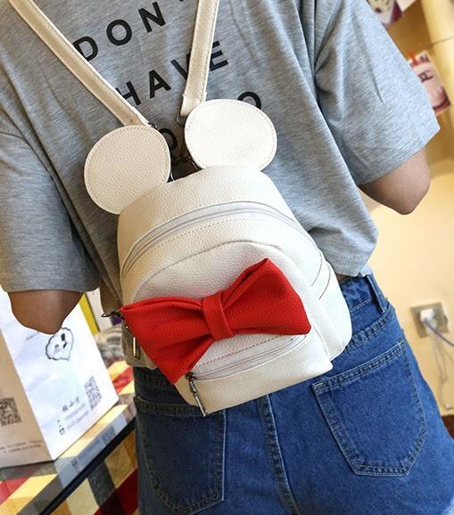 Женский рюкзак Микки с ушками на девушке белый